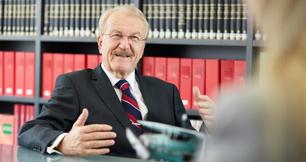 Mediator Dr Volker Rabaa