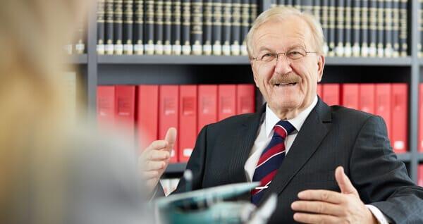 Anwalt Dr. Volker Rabaa berät über Familienrecht