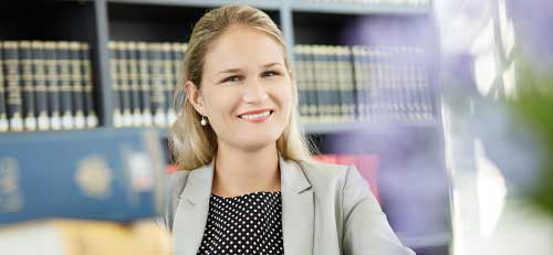 Dr Annika Rabaa