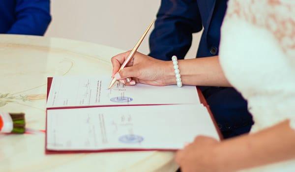 Ehevertrag unterzeichnen