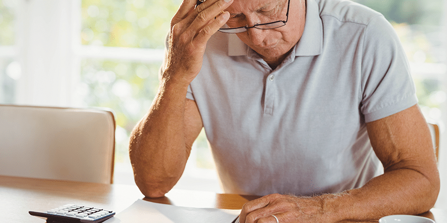 Rentenbesteuerung verfassungsgemäß – Senior verzweifelt über Unterlagen
